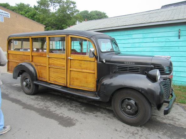 1947 Dodge 1 ton Woody bus
